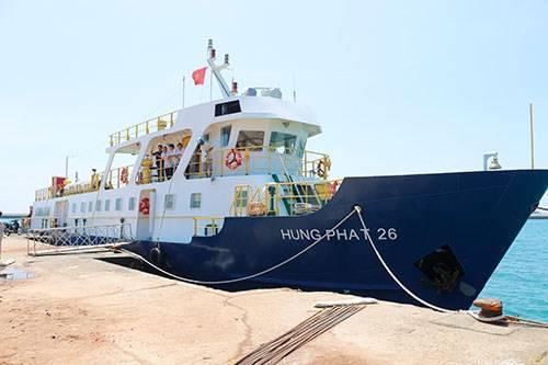 Tàu đi đảo Phú Quý
